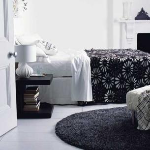 عتمة الأسود بإضاءة الأبيض عالم رائع من التناقض black-and-white-bedr
