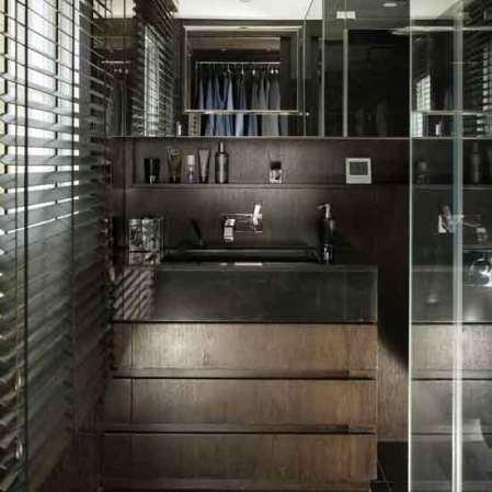 Closet shower room