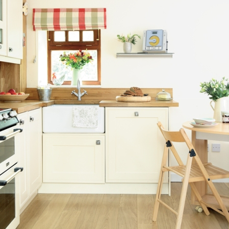 Compact country kitchen