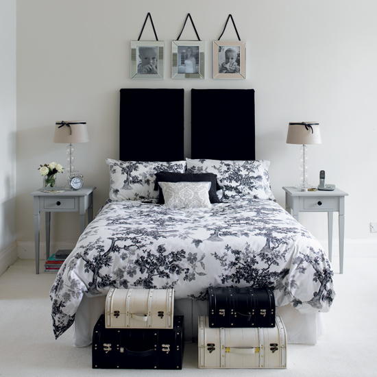 Black And White Pictures For Bedroom Wall Decor For Small Bedroom Bedroom Sitting Room Design Ideas Bedroom Carpet Design Ideas: Black And White Bedroom