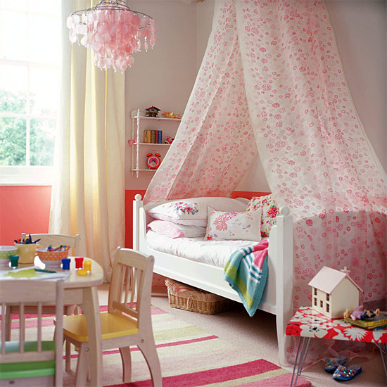 Modern-princess-kid-bedroom-design-with-bed-canopy