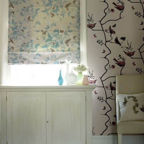http://roomenvy.files.wordpress.com/2009/04/blind-and-wallpaper.jpg