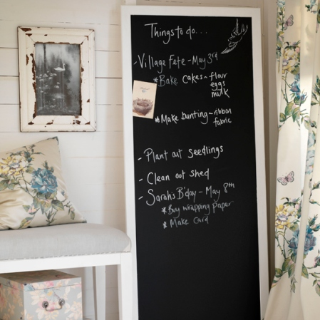 roomenvy - chalkboard 'things to do' list