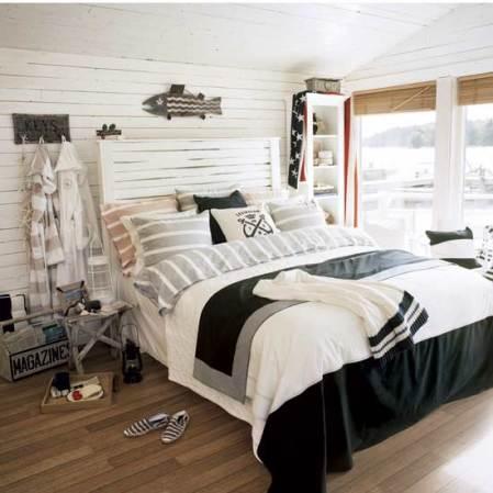 coastal-style bedroom