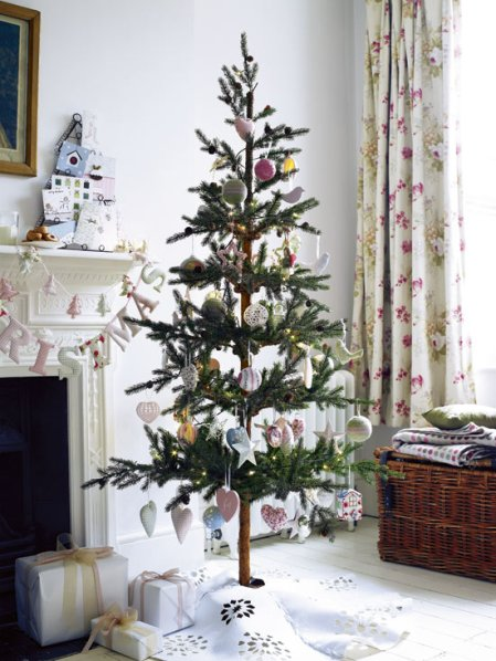 roomenvy - nostalgic Christmas tree