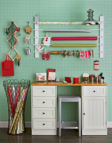 roomenvy - creative gift wrapping station