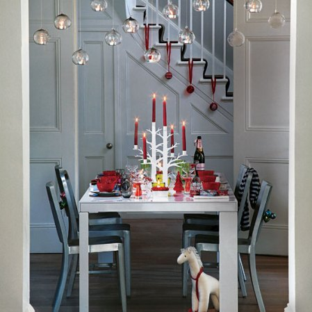 roomenvy - oversized Christmas baubles dining room