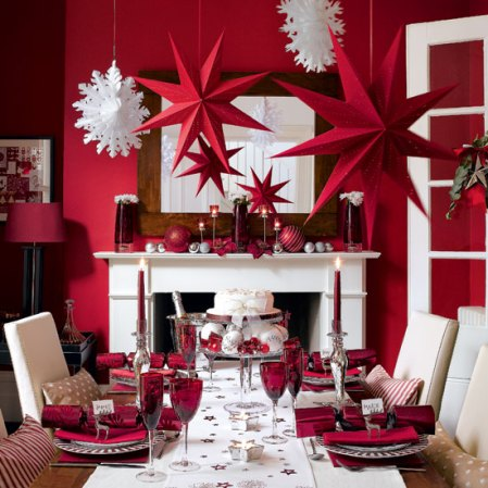 roomenvy - star-studded Christmas dining room