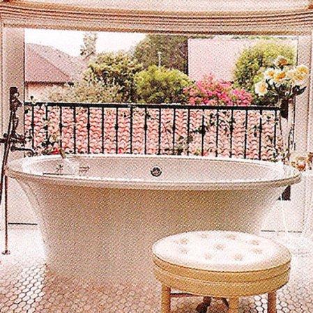 roomenvy - romantic rooftop bathroom