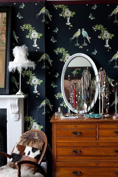 roomenvy - boudoir-chic bedroom wallpaper