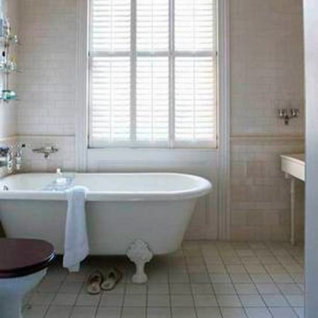 roomenvy - shabby-chic bathroom