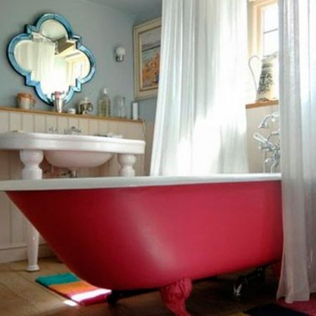 roomenvy - show-stopping tub bathroom