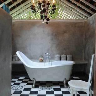 roomenvy - oversized tub bathroom