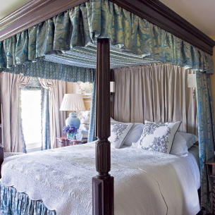 roomenvy - four-poster bedroom