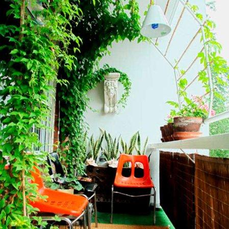 roomenvy - cute canopy balcony