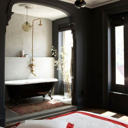 roomenvy - vintage ensuite bathroom