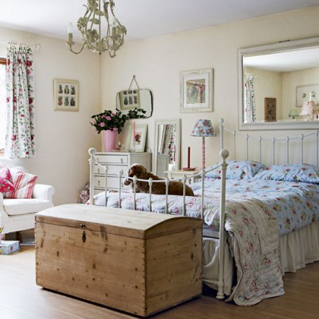 roomenvy - country cottage bedroom