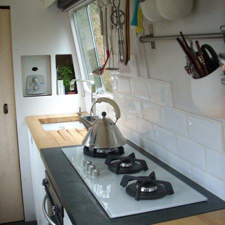 roomenvy - practical kitchen storage