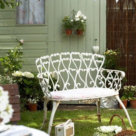 roomenvy - adorable vintage garden idea