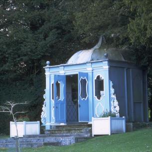 roomenvy - temple of doom garden