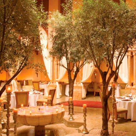 roomenvy - Amanjena Hotel dining hall
