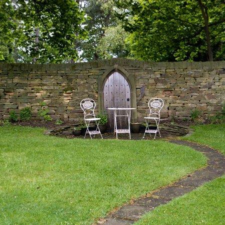 roomenvy - garden seating area