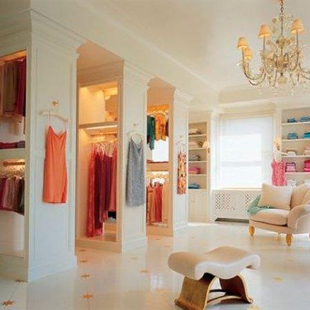 roomenvy - Mariah Carey's closet/room of clothes!!
