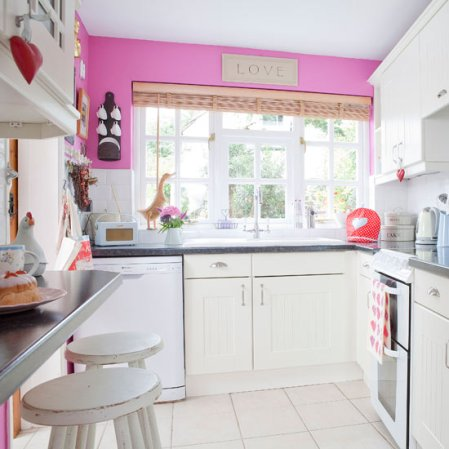 roomenvy - candy pink kitchen
