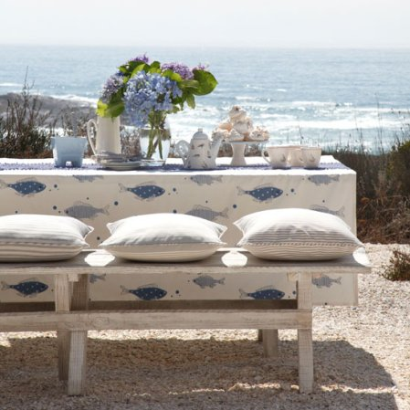 roomenvy - alfresco dining by the sea