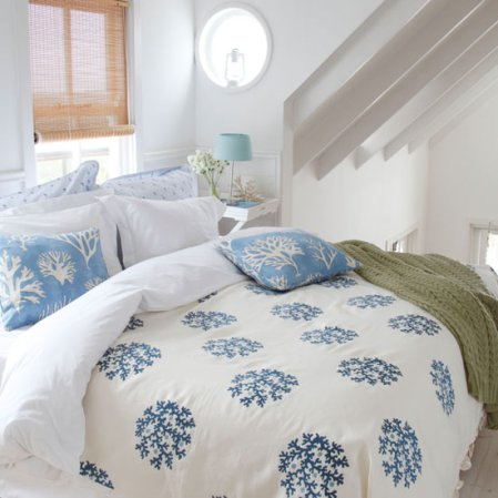 roomenvy - seaside-inspired bedroom