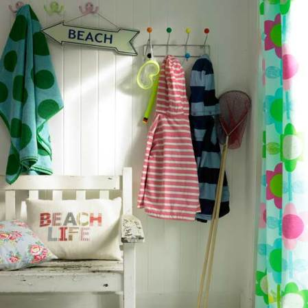 roomenvy - summer holiday hallway