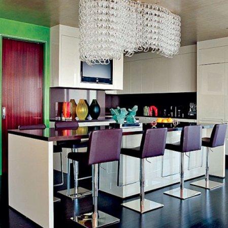 roomenvy - Elton's John's colourful kitchen-diner