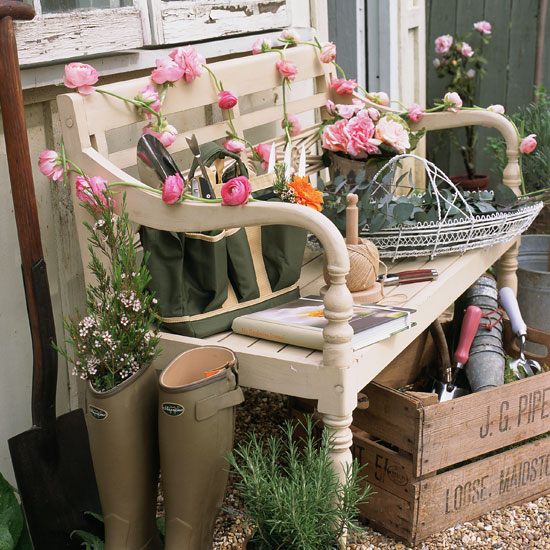 Spring summer outdoor decorating on pinterest porches for Country garden ideas for small gardens