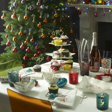 roomenvy - colourful Christmas dining room