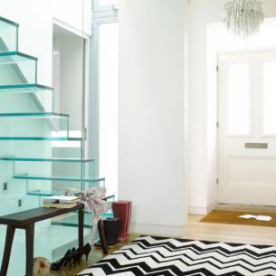 roomenvy - graphic modern hallway