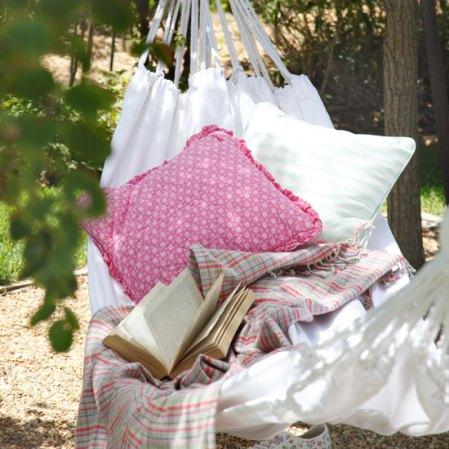 Country garden hammock - Housetohome - Roomenvy