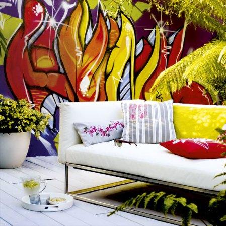 Colourful garden wall - Housetohome - Roomenvy
