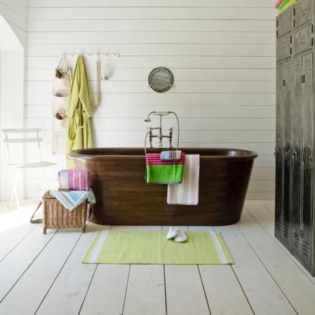Alfresco bathroom - Country Homes & Interiros - Roomenvy