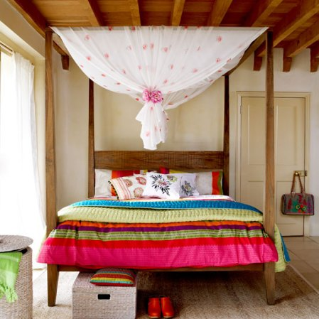 roomenvy - colourful exotic four-poster bedroom