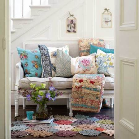 roomenvy - floral seating hallway idea