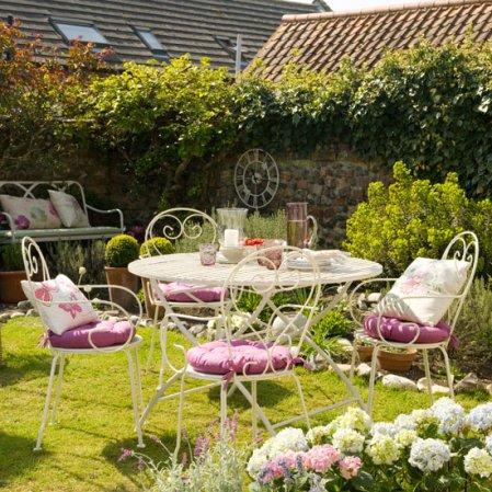 roomenvy - Victorian-style garden design