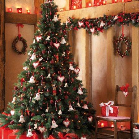 scandi-chic living room | Christmas decorating ideas | Christmas | Tesco | image | Roomenvy