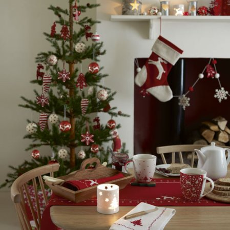 Scandi dining room | Christmas | Christmas decorating ideas | John Lewis | image | Roomenvy