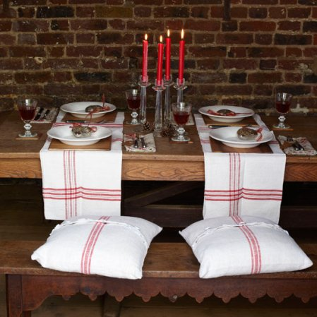 Christmas dining tables - rustic | Country Homes & Interiors | Roomenvy