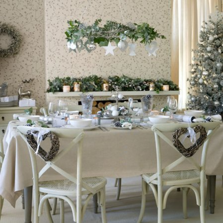 Foliage and frost | Christmas dining room | Ideal Home | Roomenvy