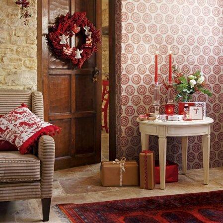 Homemade Christmas | Christmas hallways | Country Homes & Interiors | Roomenvy