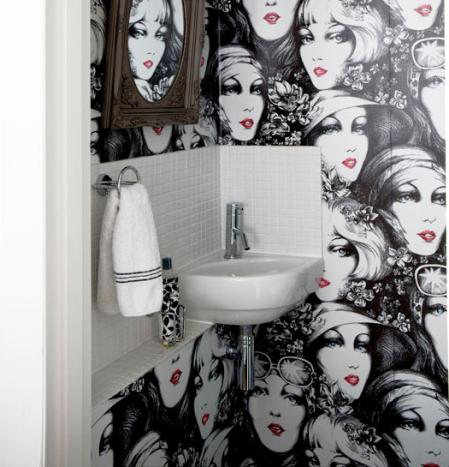 Flapper wallpaper | wallpaper ideas | cloakroom ideas | roomenvy