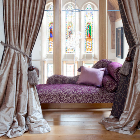 chaise longue bedroom | Valentine's Day | Valentine's Day ideas | romantic ideas | romantic bedroom | roomenvy