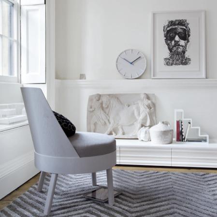 Modern white Grecian-style living room ¦ modern living room ideas ¦ modern decorating ideas ¦ roomenvy